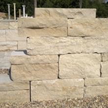 Štípané vápencové kamenné bloky - FS01