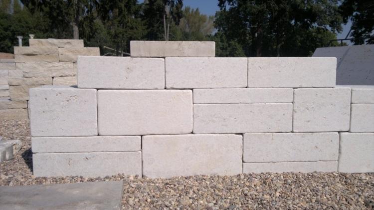 Tumblované vápencové kamenné bloky - FS02